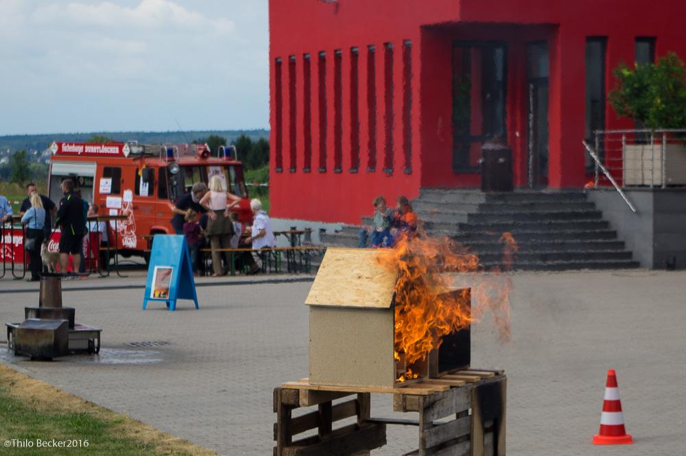 Flash-Over Simualtion und Brandherd für die Jugendfeuerwehr