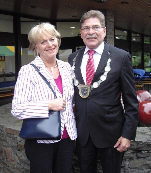 Vor dem letzten großen Auftritt als Bürgermeister: Jürgen Johannsen mit seiner Gattin Giesela