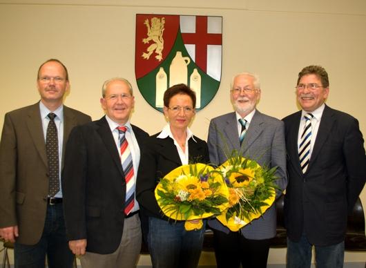 V.r.n.l.: Bürgermeister Johannsen, Beigeordneter Heller, erste Beigeordnete Freisberg, Ortsbürgermeister Breiden und ich