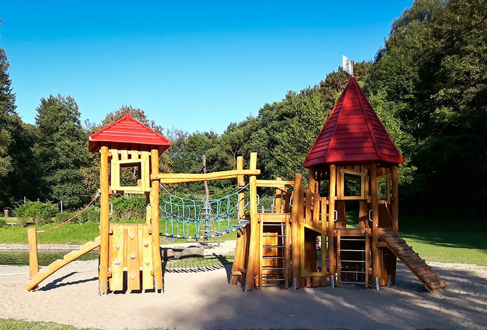 Neue Spiellandschaft in der Schwimmteichanlage Linderhohl